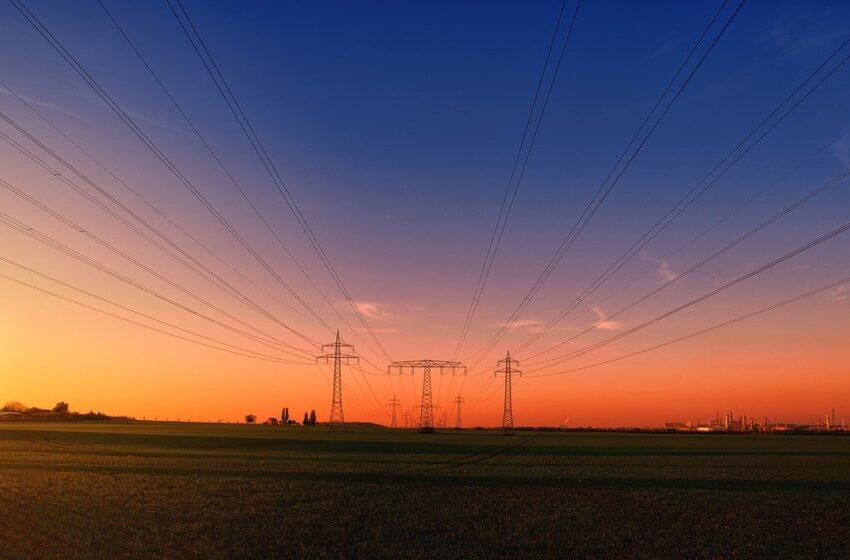Tesla si lancia nel mercato dell'energia elettrica UK