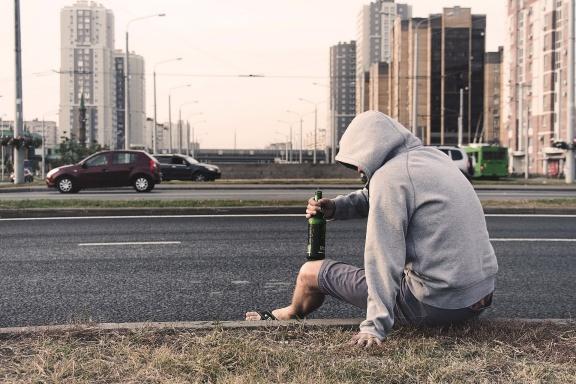 Adolescenti e dipendenze, quali i comportamenti a rischio