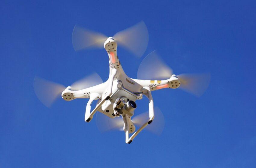 Pilotare un drone. Attivo il nuovo regolamento europeo
