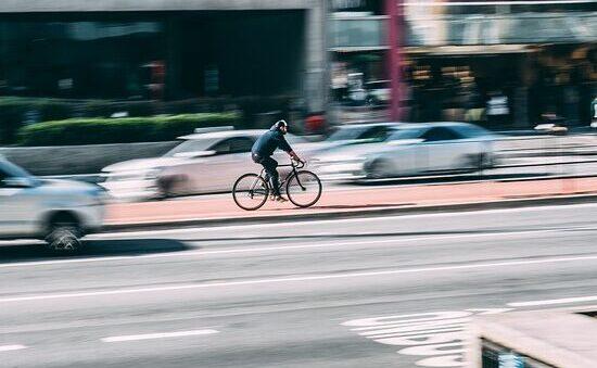 Piste ciclabili e smart mobility: arriva mOOve