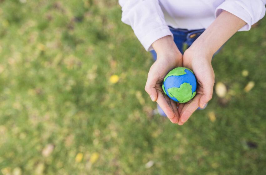 Google e Facebook celebrano l'Earth Day introducendo nuove funzionalità
