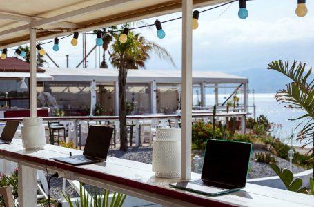 Coworking in spiaggia: la app per prenotarlo