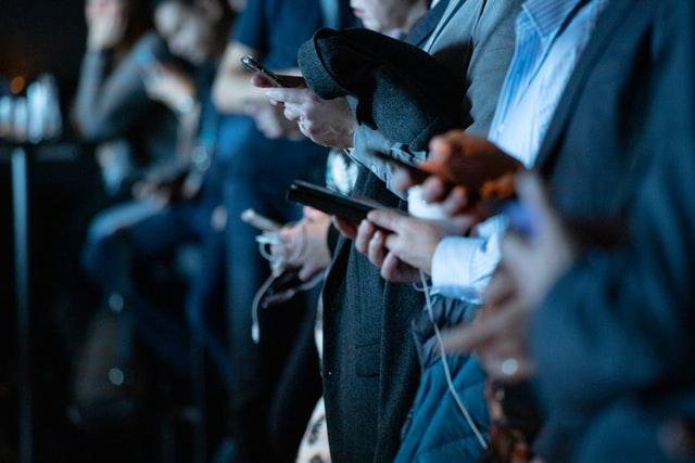 Come comunicano i top manager sui social?